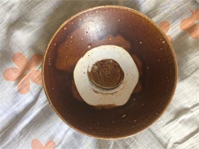 酱釉斗笠碗