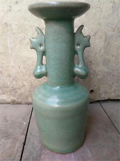 南宋龙泉窑鳳耳瓶