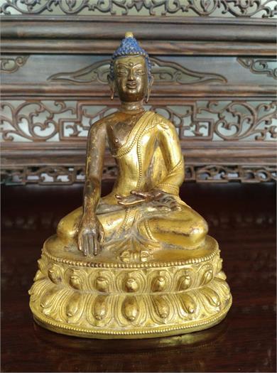 铜鎏金錾花释迦牟尼坐像