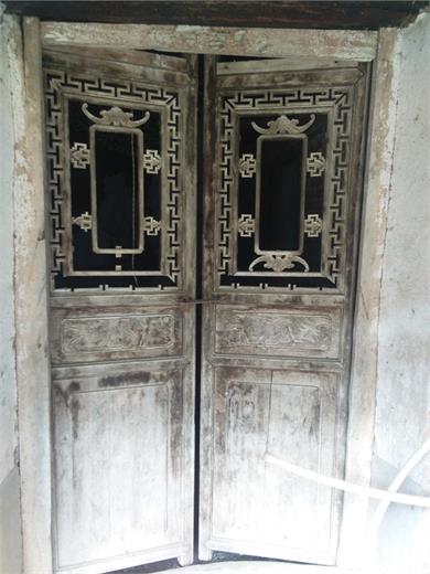 明清时期老柏木门口