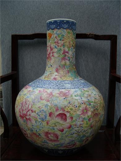 民国-粉彩天球瓶
