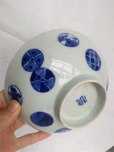 青花皮球花纹碗