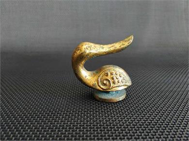 辽金铜鎏金鹅形带钩
